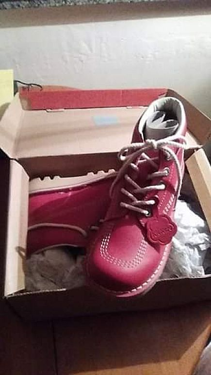 anuncio red new kickers lady's boots size 40.